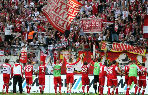 Die Fans des FC wollen mit der Mannschaft am letzten Spieltag den Aufstieg feiern – und zwar zahlreich. Foto: IMAGO