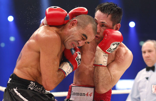 Harter Fight: Felix Sturm (r.) und Sam Soliman beim Kampf im Februar 2013. Foto: IMAGO