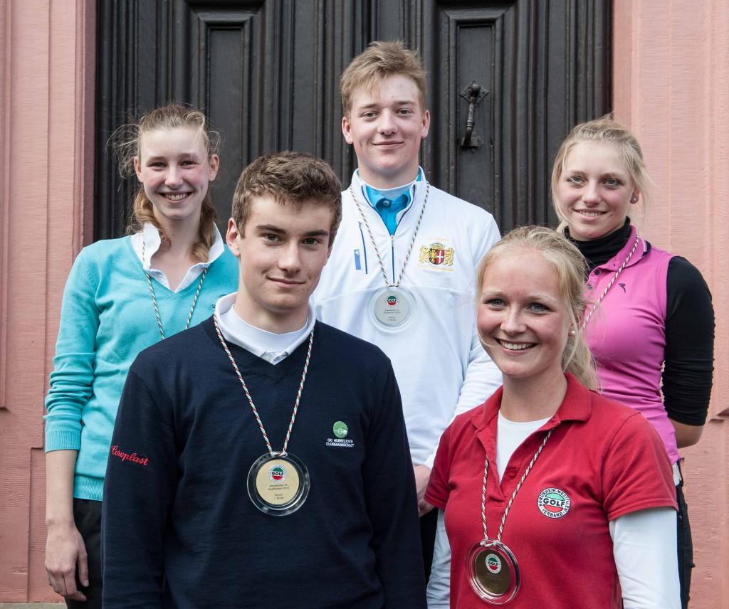Viviana Krug, Luis Obiols, Valentin Menne, Sophie Hausmann und Greta  Völker (v.l) erzielten in der AK 18 hervorragende Ergebnisse Foto: Golfverband NRW