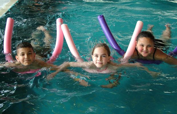 Wer schwimmen lernen will – egal, ob Kind oder Erwachsener – ist bei den KölnBädern gut aufgehoben. Foto: KölnBäder