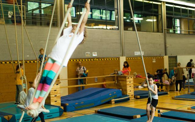 Die Kinder konnten sich in fast 40 Sportarten probieren. Foto: KKSF