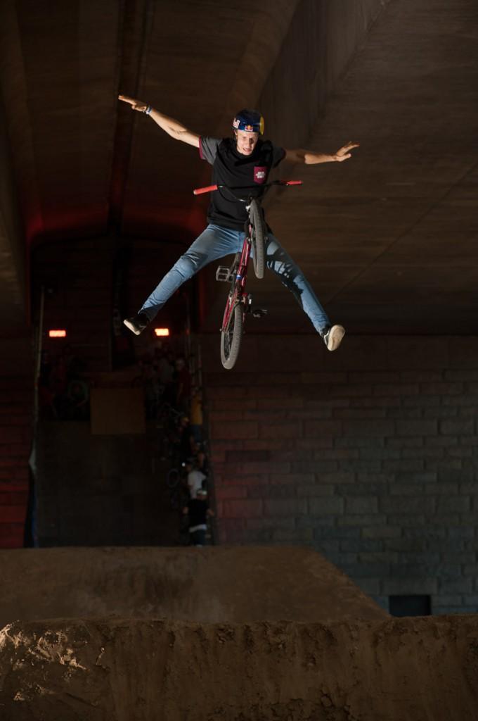 David Godziek mit einem sehenswerten Sprung Foto: Martin Ohliger / BMX COLOGNE