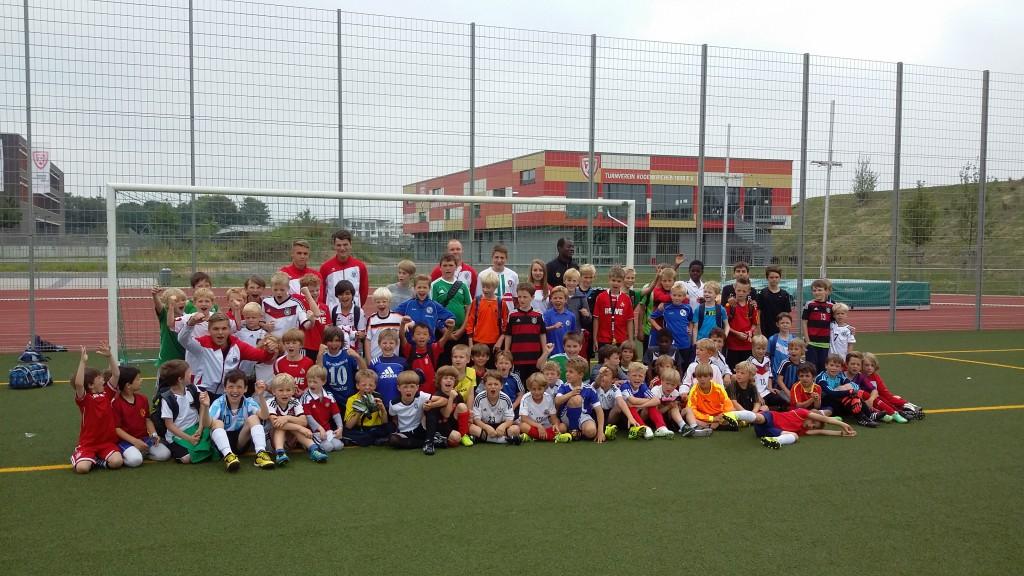 Viel Spaß hatten die Kids beim Fußballangebot des TVR-Sommerferienprogramms Foto: TV Rodenkirchen