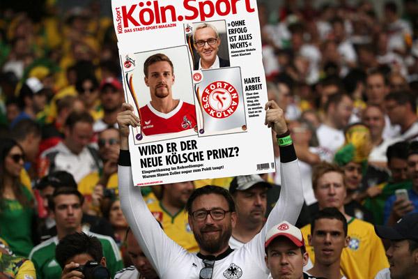 Auch die Fans der deutschen Nationalmannschaft freuen sich über die neue Köln.Sport-Ausgabe Montage: imago/Köln.Sport
