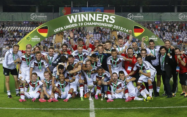 Europameister sind sie schon, nach Köln kommen sie noch: die deutschen U19-Junioren. Foto: IMAGO/PuzzlePix