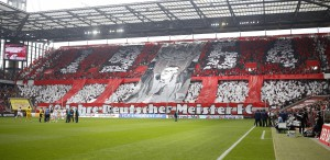 50 Jahre Deutscher Meister FC – spektakulär erinnerte die Kurve an den Triumph Foto: IMAGO / mika