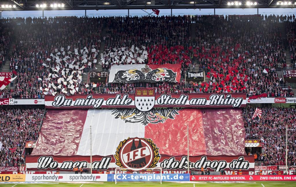 Zum Aufstiegs-Spiel gegen den VfL Bochum präsentierten die FC-Fans diese tolle Choreo Foto: IMAGO / Moritz Müller