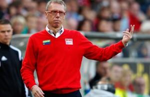 Peter Stöger konnte in Hannover keine Punkte bejubeln.  Foto: pa/dpa