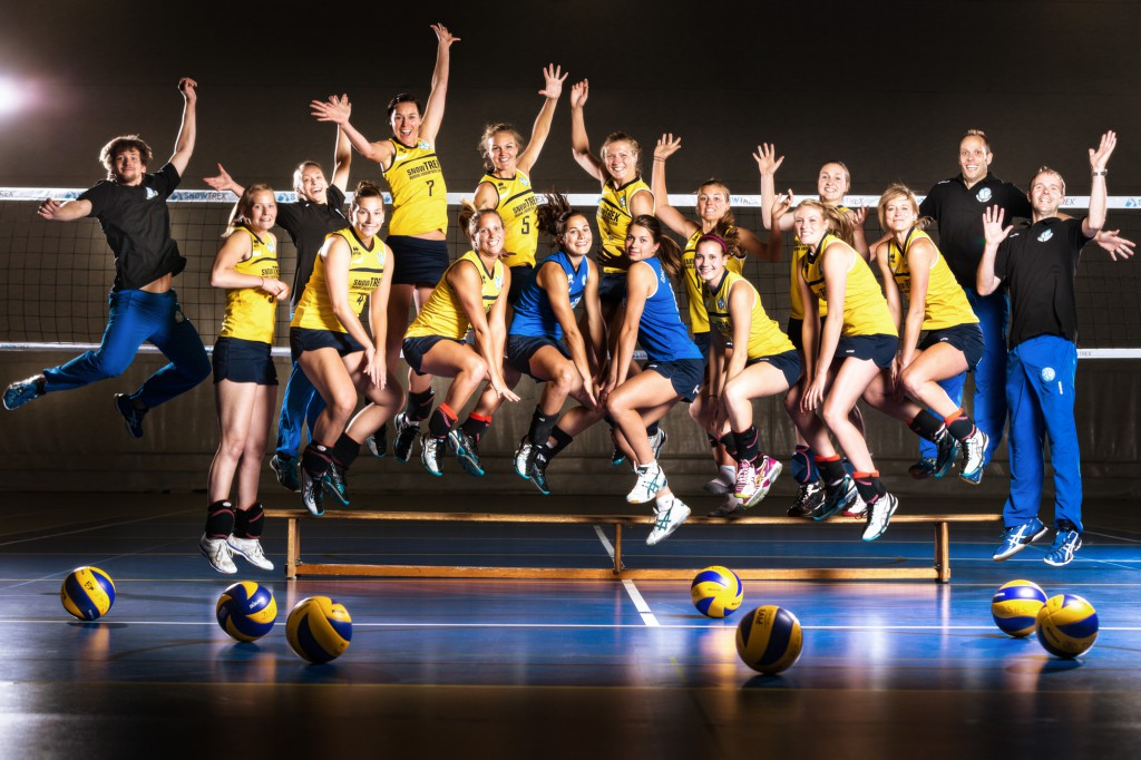 Am Samstag springen die DSHS SnowTrex Köln-Volleyballerinnen in die neue Zweitliga-Saison  Foto: Martin Miseré