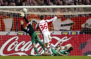 Eine der schöneren Derby-Erinnerungen: Lukas Podolski mit seinem ersten Heimtor und dem Siegtreffer in der Saison 2003/04 Foto: IMAGO/ Thomas Zimmermann