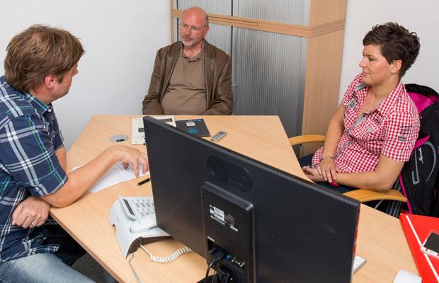 Gesprächsrunde beim Sportstadt Köln e. V.: Gina Haatz (r.), Volker Staufert (M.) und Köln.Sportler Frank Schwantes. Foto: Benjamin Horn