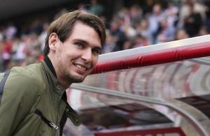 Muss sich derzeit wegen einer Verletzung in Geduld üben: FC-Stürmerstar Patrick Helmes