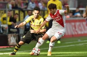 FC-Profi Daniel Halfar im Duell mit Dortmunds Ilkay Gündogan Foto: IMAGO/Revierfoto