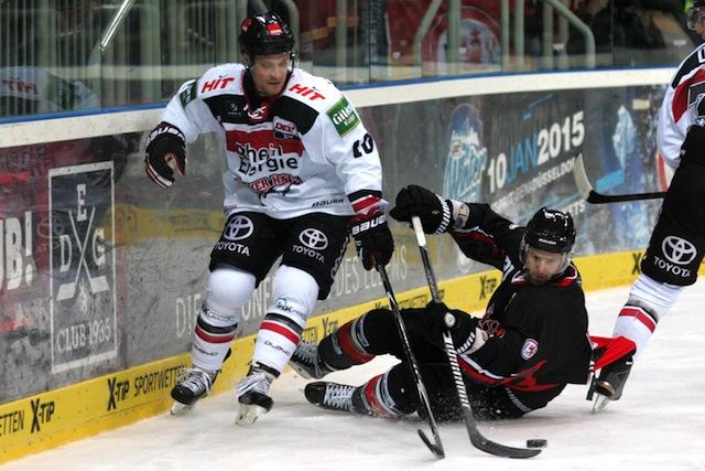 Oben auf im Klassiker? Die Kölner Haie um Jamie Johnson (l.) treten im Winter Game bei der Düsseldorfer EG an Foto: imago/nph