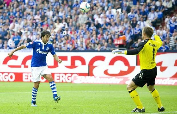 Raúl´s Lupfer gegen den FC wurde im Jahr 2011 zum Tor des Jahres gekührt. Foto: imago / Sven Simon