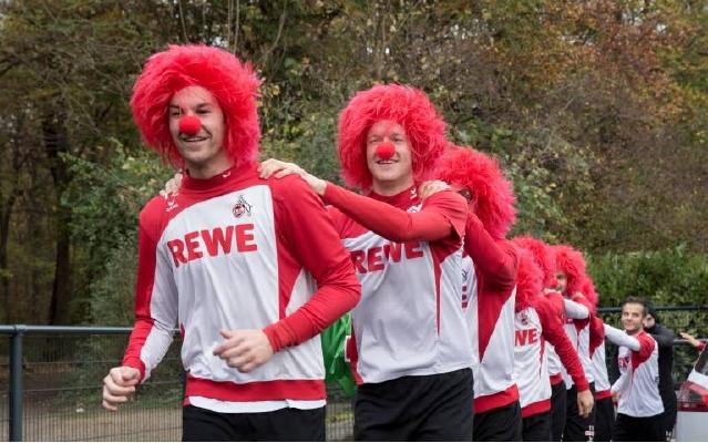 Der 1. FC Köln hat einen Antrag beim Kölner Festkomitee gestellt, um als Karnevals-Verein aufgenommen zu werden. Foto: imago/T-F-Foto