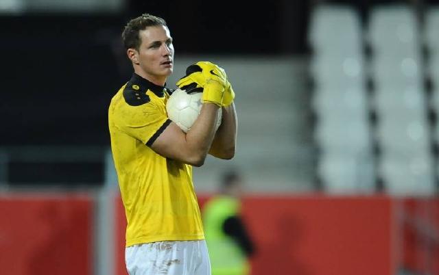 Musste nach starken Aktionen zwei Gegentreffer hinnehmen: Viktoria-Keeper Nico Pellatz. Foto: imago/Revierfoto