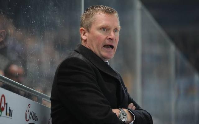 Legt jetzt schon den Fokus auf das Winter Game gegen Düsseldorf: Haie-Coach Niklas Sundblad. Foto: imago/foto2press
