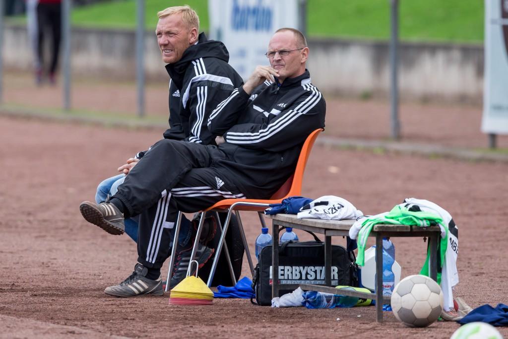 Marcus Feinbier (li.) ist nicht mehr Trainer des FC Leverkusen. Geht es nach Mäzen Michael Kunze (re.), soll der Ex-Profi eine Nachwuchsabteilung im Verein aufbauen Foto: Benjamin Horn