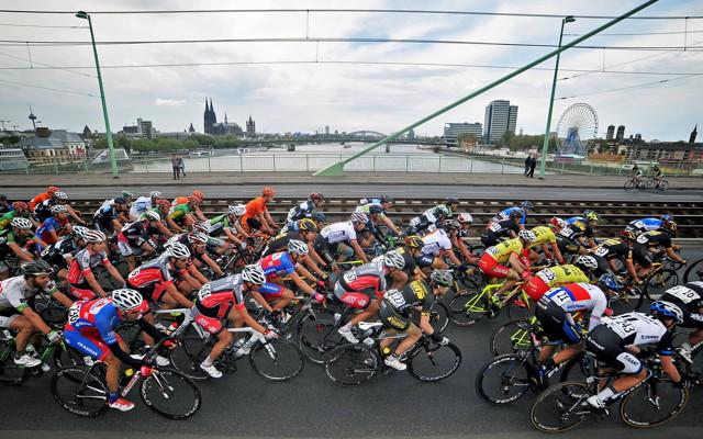Der Radklassiker Rund um Köln startet in diesem Jahr in der Gummersbacher Schwalbe-Arena. Foto: imago / Mario Stiehl
