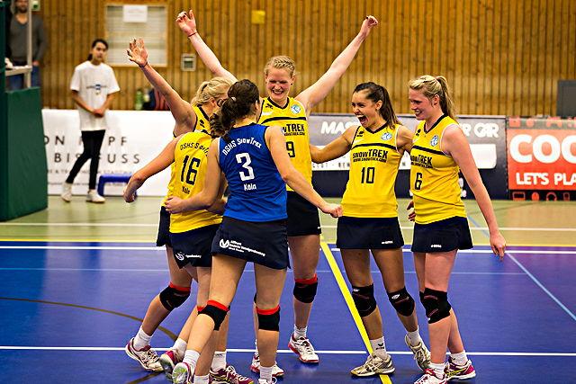 Würden ihre Siegesserie in Münster gerne fortsetzen: Die Zweitliga-Volleyballerinnen vom Team DSHS SnowTrex Köln  Foto: Martin Miseré