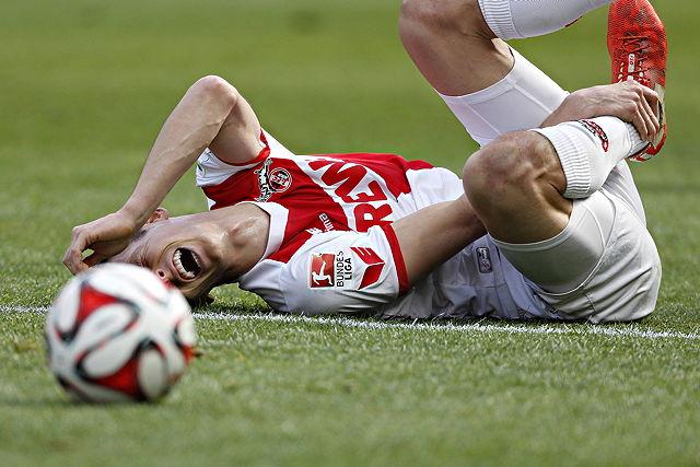 Wird in dieser Saison nicht mehr für den FC auflaufen: Außenverteidiger Pawel Olkowski Foto: imago/Norbert Schmidt