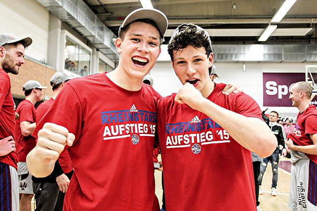 Aufstiegshelden beim ASV-Nachtlauf: RheinStars-Talente Tim van der Velde (l.) und Leon Baeck Foto: imago/Beautiful Sports