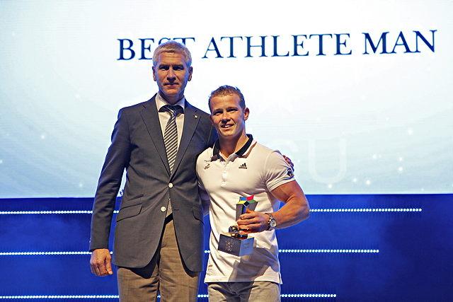 Als Welthochschulsportler des Jahres ausgezeichnet: Turn-Star Fabian Hambüchen (r.) Foto: adh.de
