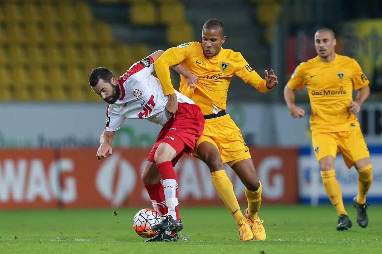Kristoffer Andersen (l.) zählte im Pokalspiel bei Alemannia Aachen zu den Aktivposten bei Fortuna Köln Bild: Ben Horn