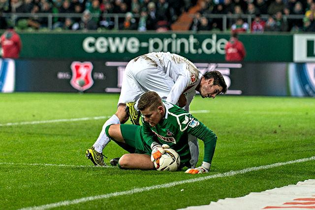 Gegen Bremen erneut mit einer Glanzvorstellung: FC-Keeper Timo Horn (r.) Foto: imago/nph