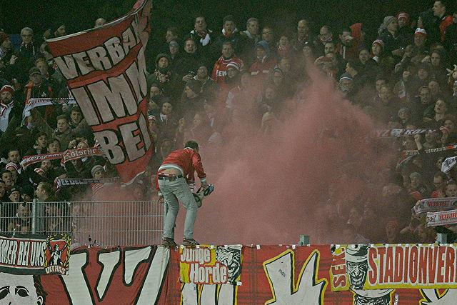 Pyrotechnik 1. FC Köln Fans Ultras