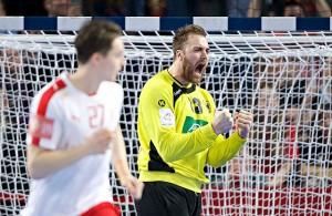 Handball-Torhüter Andreas Wolff jubelt über eine Parade