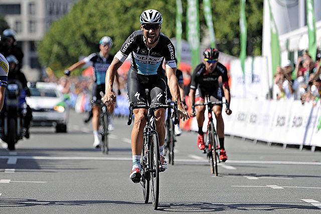 """Tom Boonen gewinnt """"Rund um Köln"""" 2015"""