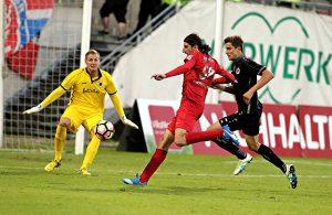 Ercan Aydogmus netzt zum 3:3 des Wuppertaler SV gegen Viktoria Köln