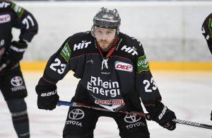 Max Reinhart spielt bei den Kölner Haien Eishockey