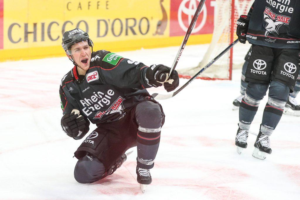 Shawn Lalonde jubelt: der Kanadier ist bei jedem Heimspiel der Kölner Haie live dabei. Mit Köln.Sport und Telekom Eishockey können Sie das auch Foto: imago/Manngold