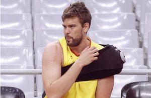 Sportler mit Sehnenriss in der linken Schulter