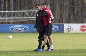Pawel Olkowski humpelt bricht unter Schmerzen das Training ab