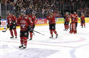 Nach dem Spiel drehten die Kölner Haie noch eine Ehrenrunde vor ihren Fans
