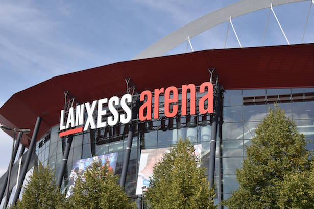 Die Veranstaltungs und Mehrzweckhalle Lanxess Arena bis 2008 Kˆlnarena aufgenommen am 20 09 2018 i