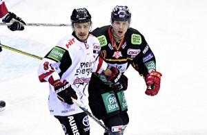 Moritz Müller (Kölner Haie) und Eduard Lewandowski (Düsseldorfer EG)