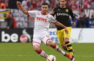 Jonas Hector (vorne) und der 1. FC Köln sind gegen den BVB oben auf
