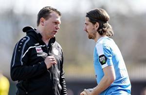 Uwe Koschinat (Fortuna Köln) redet mit Andreas Glockner