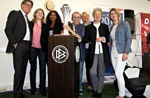 Toni Schumacher, Sandra Fritz, Liz Baffoe, Janus Fröhlich, Doris Fitschen, Dr. Agnes Klein, Sonja Fuß