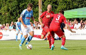 Spielszene zwischen Fortuna Köln und dem 1. FC Köln