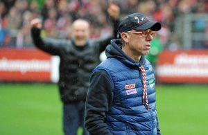 Peter Stöger und der 1. FC Köln spielen gegen den SC Freiburg mit Trainer Christian Streich