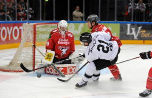Action vor Goalie Wesslau